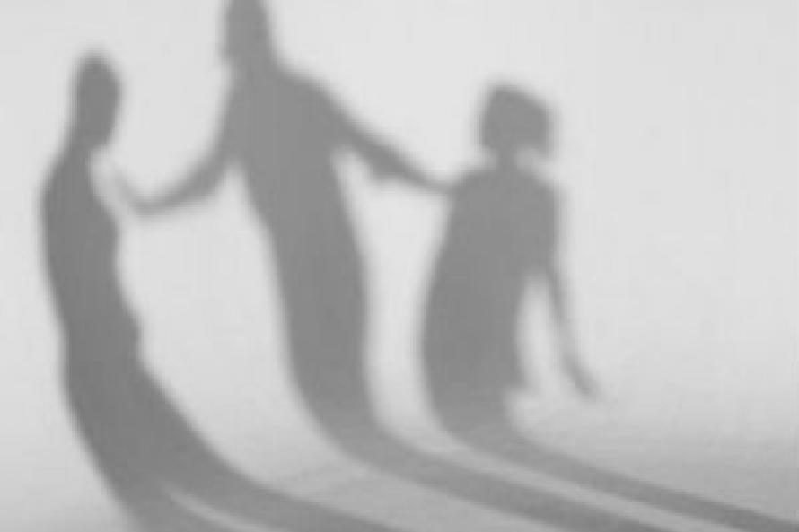 Чаще всего насилие к детям в семье применяют женщины — специалисты