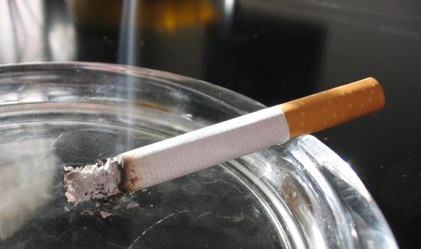 Vairums kontrabandas cigarešu Latvijā nāk no Baltkrievijai piederošas rūpnīcas