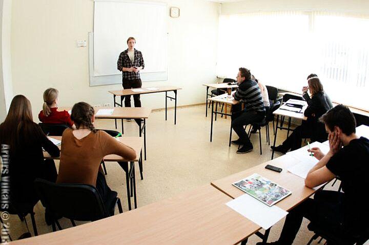 Skaitļi un fakti: Eiropā mūžizglītības programmas izvēlas par maz