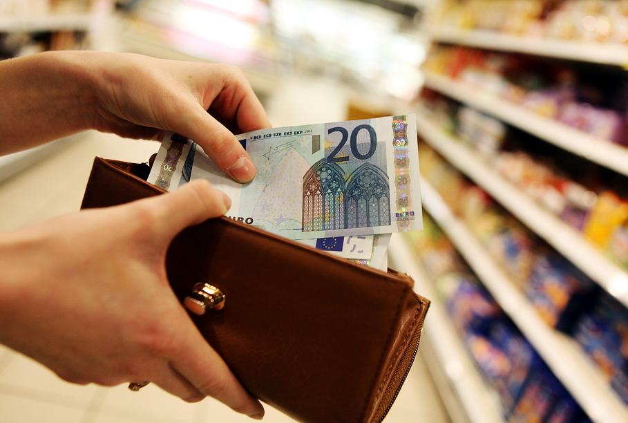 Новый прожиточный минимум – 129 евро в месяц (дополнено)