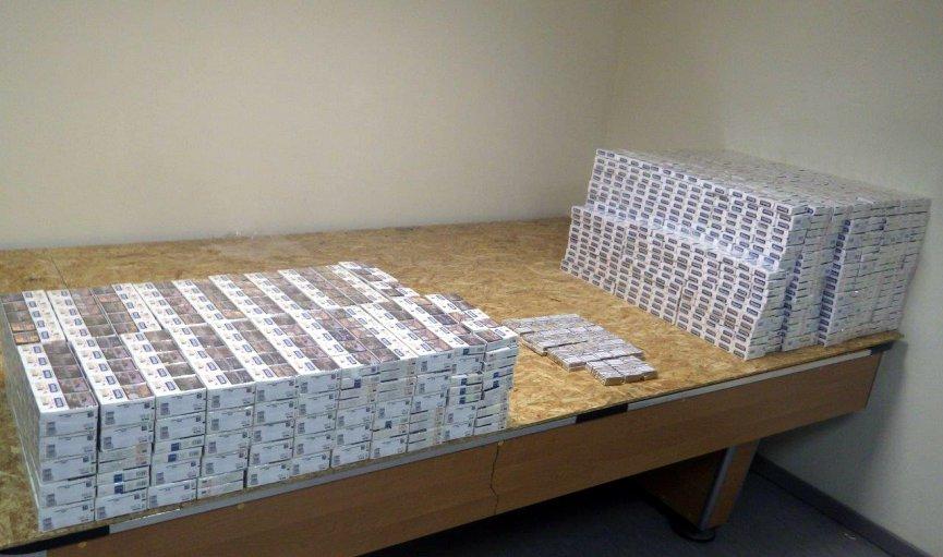 Pētījums: Latvijā samazinās kontrabandas preču pircēju skaits