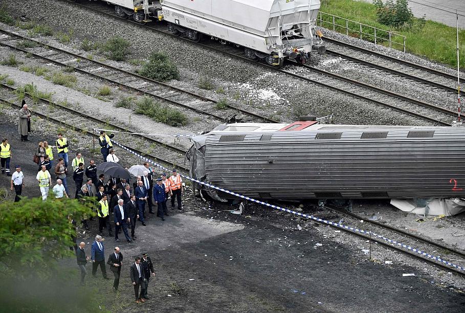 Аварии машин и поездов чаще всего возникают из-за невнимательности или лихачества