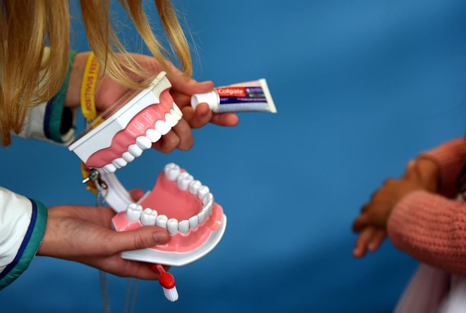 У четырех из пяти жителей Латвии не хватает зубов