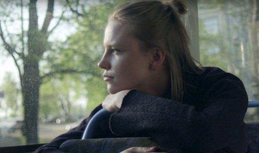 «Stūrī zēvele» laiž klajā videoklipu ar Elīnu Vasku un Reini Briedi galvenajās lomās