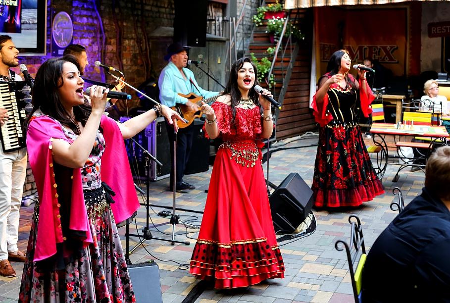 500 лет с Латвией: начался Международный фестиваль ромов