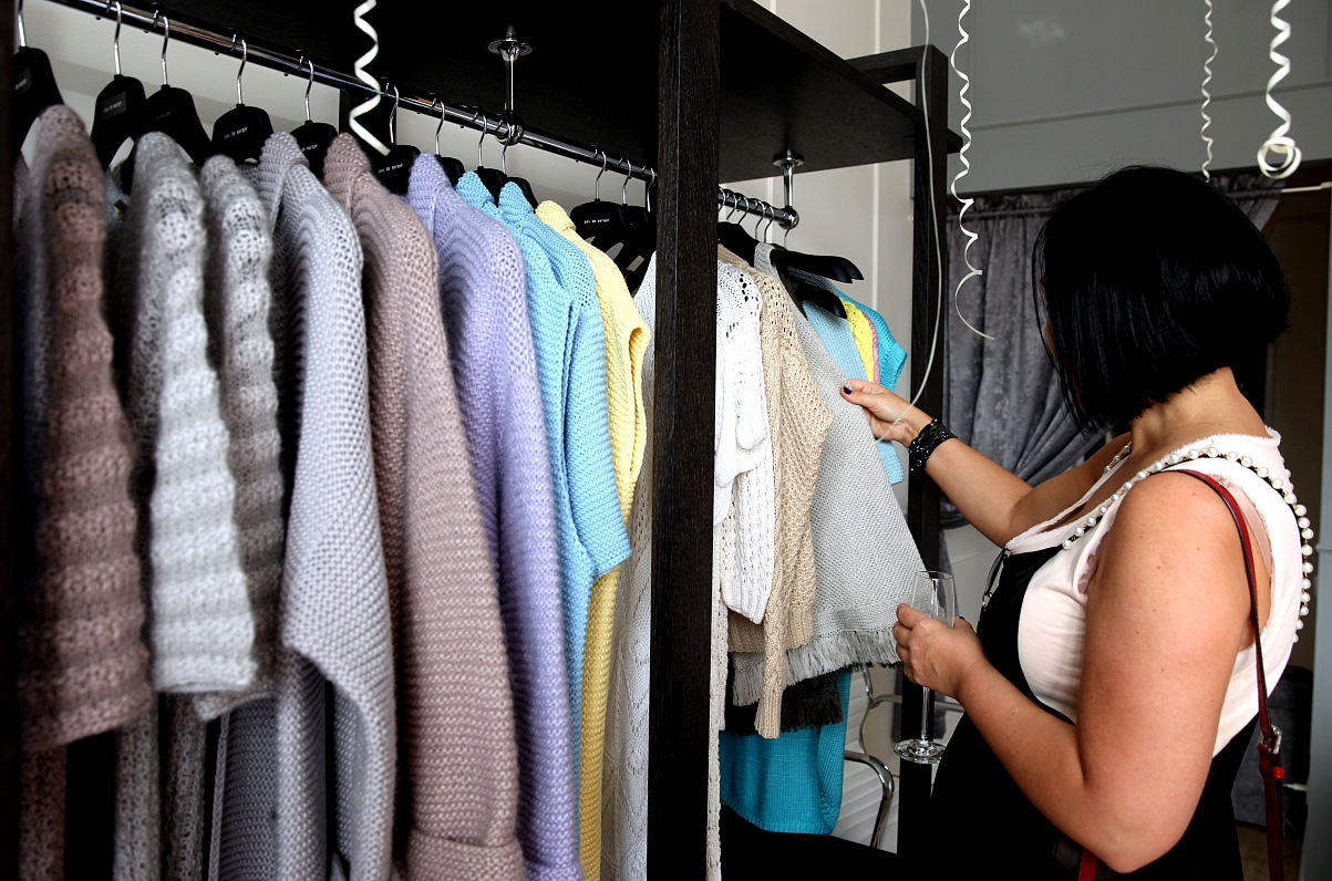 Mazumtirdzniecībā pandēmiju veiksmīgāk pārlaiž pārtikas tirgotāji, bet smagāk klājas apģērbu pārdevējiem