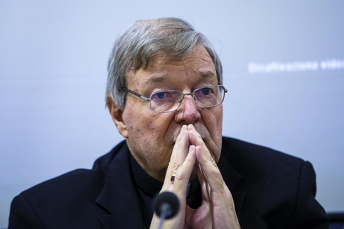 Austrālijas policija apsūdz katoļu baznīcas kardinālu pedofilijā