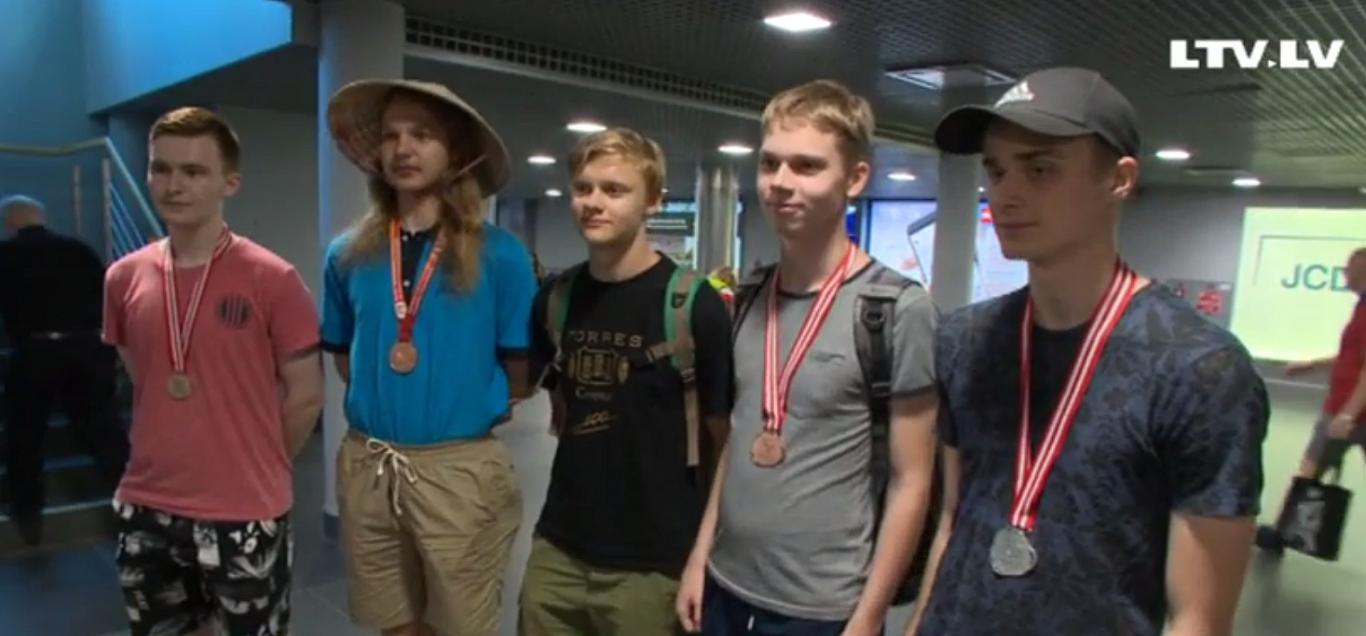 Latvijas skolēniem 3 bronzas un viena sudraba medaļa Pasaules olimpiādē fizikā un ķīmijā