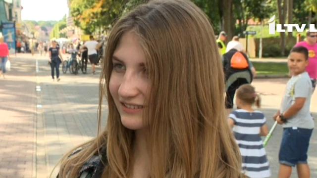 Atpūsties un iepazīt Latviju ierodas karā kritušo Ukrainas karavīru bērni