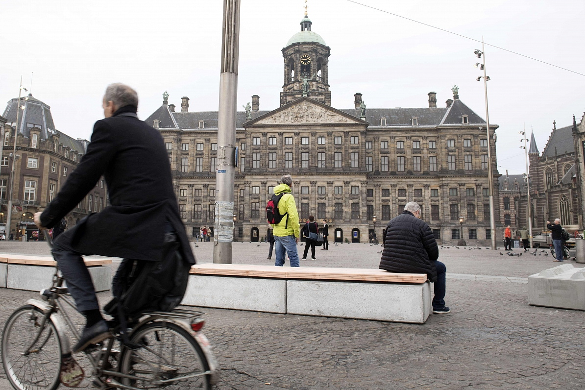 Divu ES aģentūru pārcelšana uz Parīzi un Amsterdamu sarūgtina citas valstis