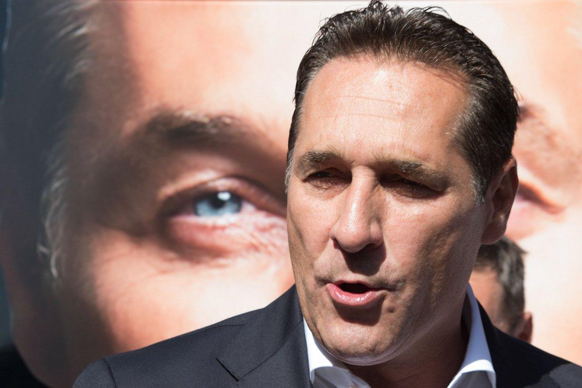 Austrijas Brīvības partija EP paliks eiroskeptiķu grupā kopā ar Lepēnu