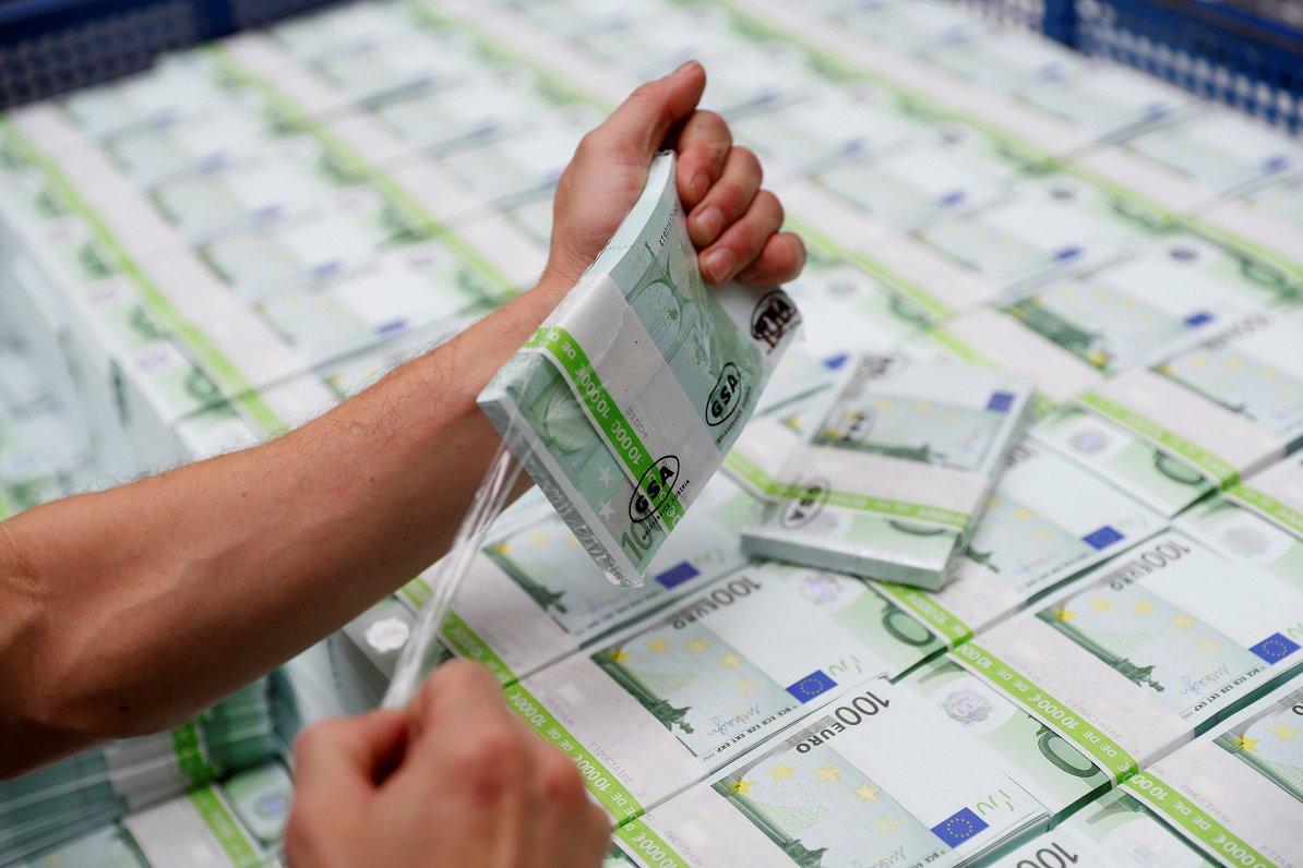 ES pērnā gada budžetā revidenti uziet deviņus iespējamās krāpšanas gadījumus
