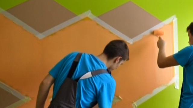 Zaļeniekos profesionālo skolu audzēkņi sacenšas krāsošanas un apdares darbu meistarībā
