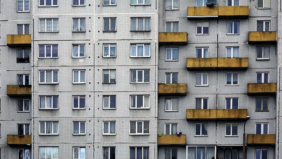 Skaitļi un fakti: Latvijā par arvien nopietnāku problēmu kļūst padomju laika daudzdzīvokļu nami