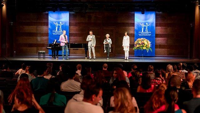 Dzintaru koncertzālē sākas prestižais Belvederes operdziedātāju konkurss