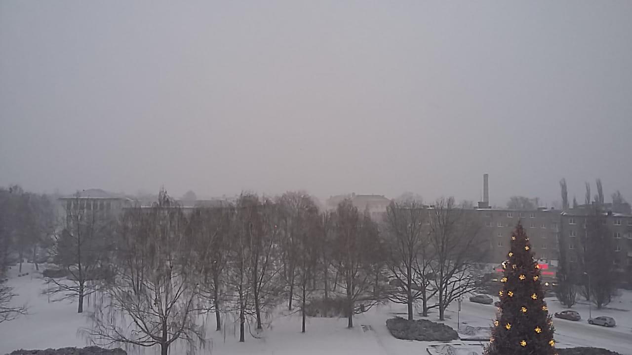 Четверг, 13 декабря: облачно, возможен снег