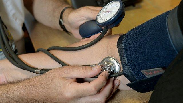 Jaunās veselības apdrošināšanas sistēmas nepilnību gadījumā pakalpojumus sniegs pilnā apjomā