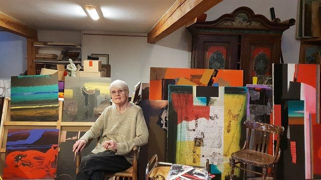 Kā Latvijas augsni irdināja gleznotāja Džemma Skulme?