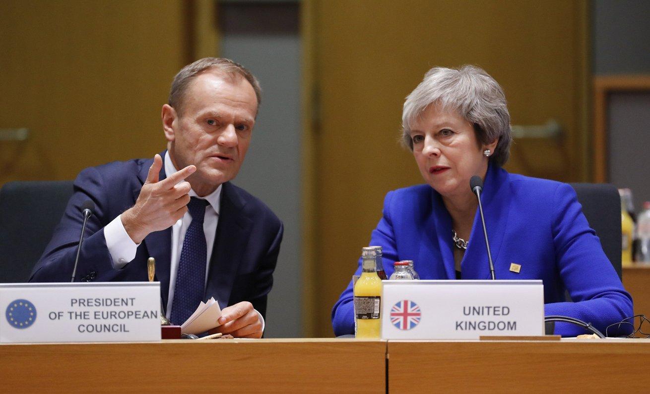 Meja Briselē centīsies panākt «Brexit» sarunu atvēršanu no jauna