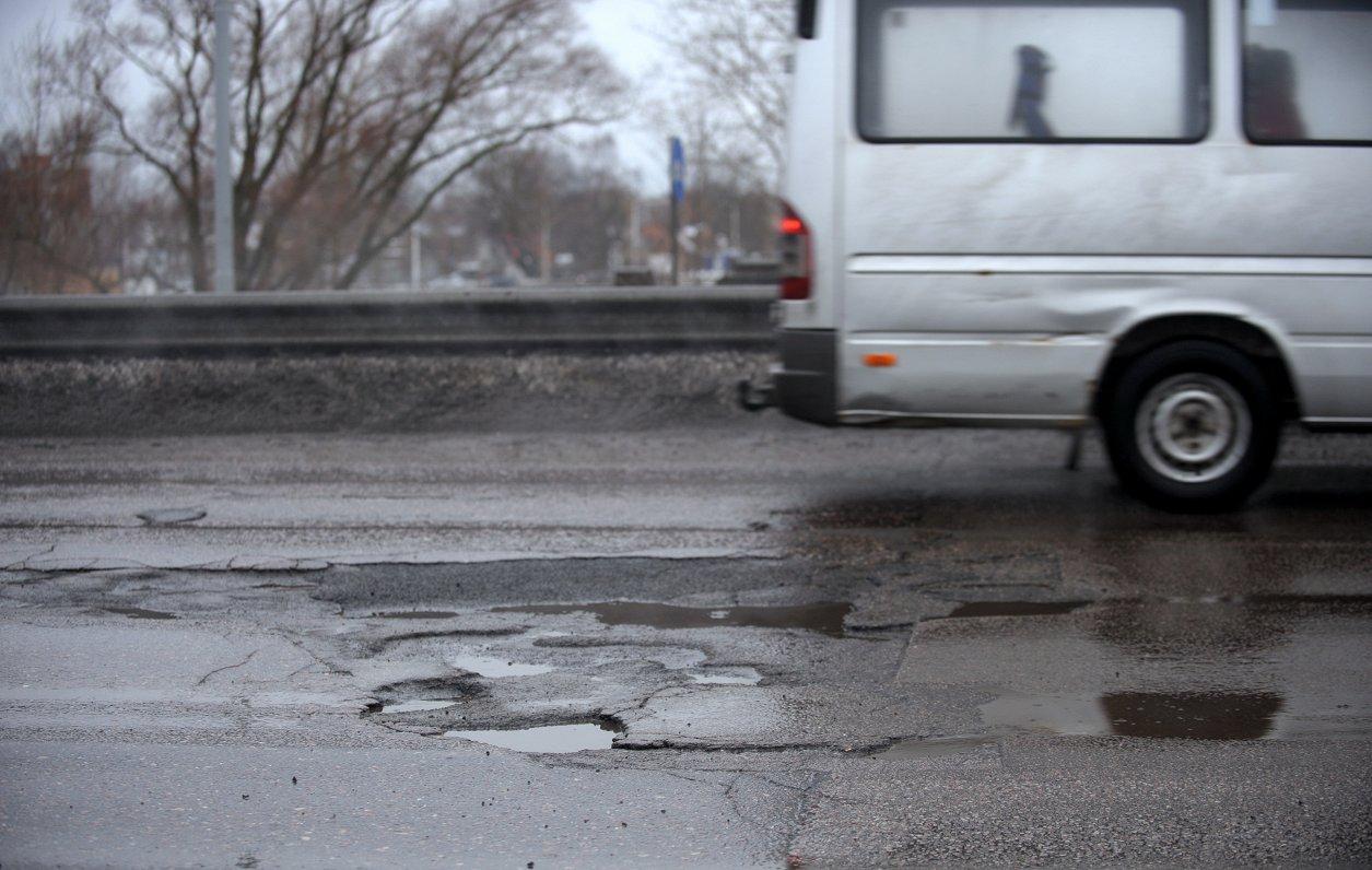 Средний возраст асфальта на дороге — 20 лет — глава Latvijas Valsts ceļi