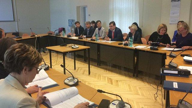 Prezidenta iniciatīvai par pilsonību nepilsoņu bērniem gaidāmas garas diskusijas Saeimā