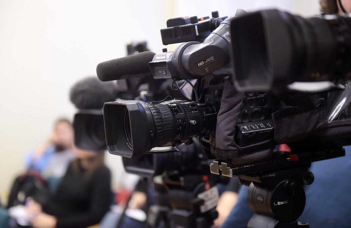 Žurnālistu atbalstam EK piedāvājusi divas iniciatīvas