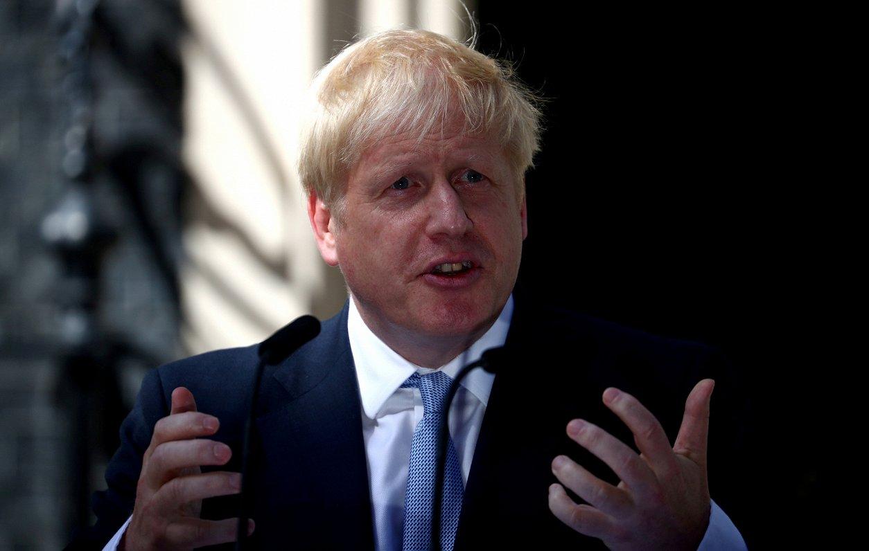 Džonsons vizītē Berlīnē un Parīzē mēģinās pārliecināt ES pārskatīt pašreizējo «Brexit» vienošanos