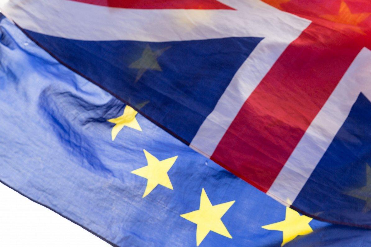 ES notikumu TOP3: Jaunas attiecības ar Lielbritāniju, vakcīnu iepirkuma kritika un Portugāles prezidentūra