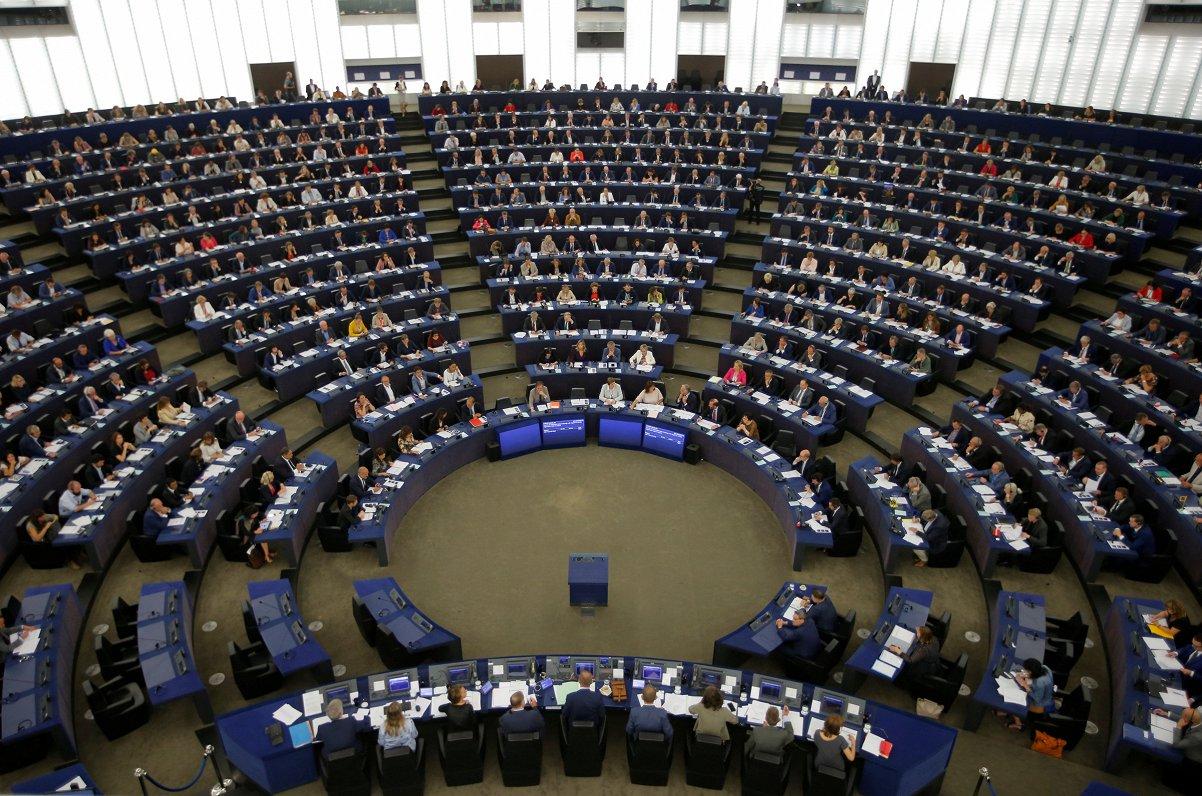 EP sāk uzklausīt nākamos EK komisārus; lielākie jautājumi par Ungārijas un Rumānijas kandidātiem