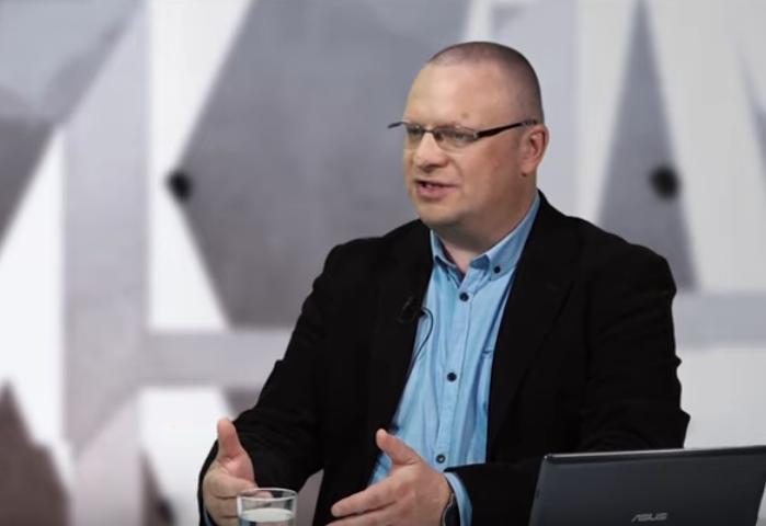 ES Tiesas spriedumu par Poliju nevajag pārvērtēt. Intervija ar komentētāju Lukašu Varžehu