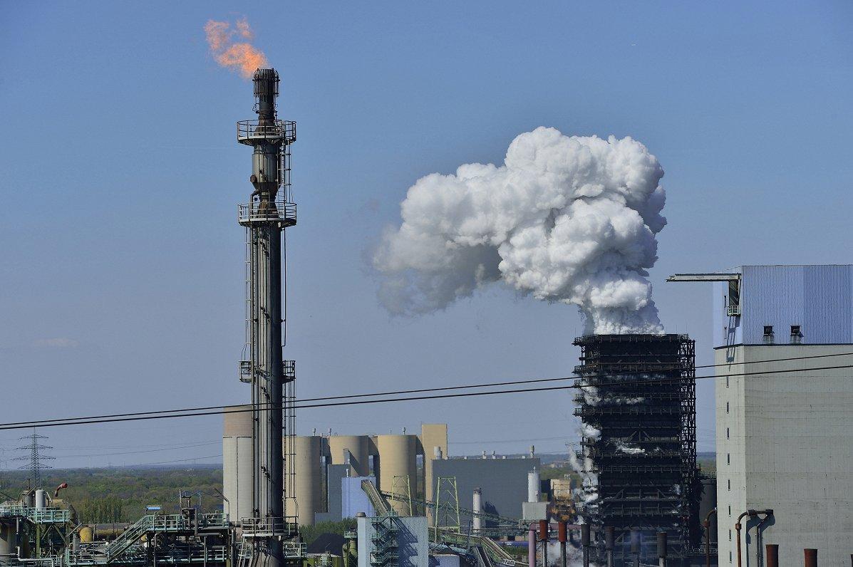 Pēc diviem gadiem Eiropas Investīciju banka vairs neatbalstīs fosilā kurināmā projektus