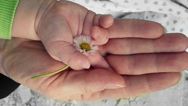 «Mūžīgo bērnu» mammām cerība tikt sadzirdētām – iekustējusies četru uzdevumu virzība