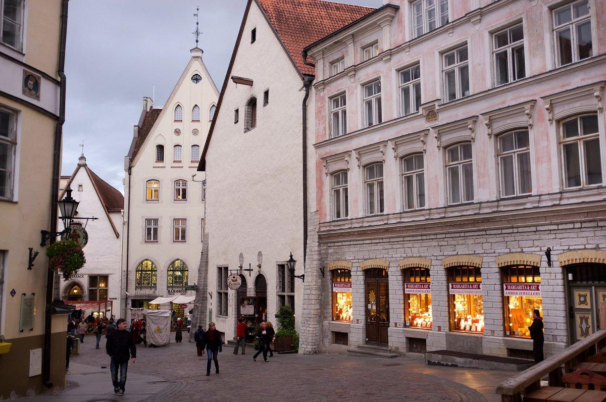 Skaitļi un fakti: Igaunijā norit kauja par otro pensiju līmeni
