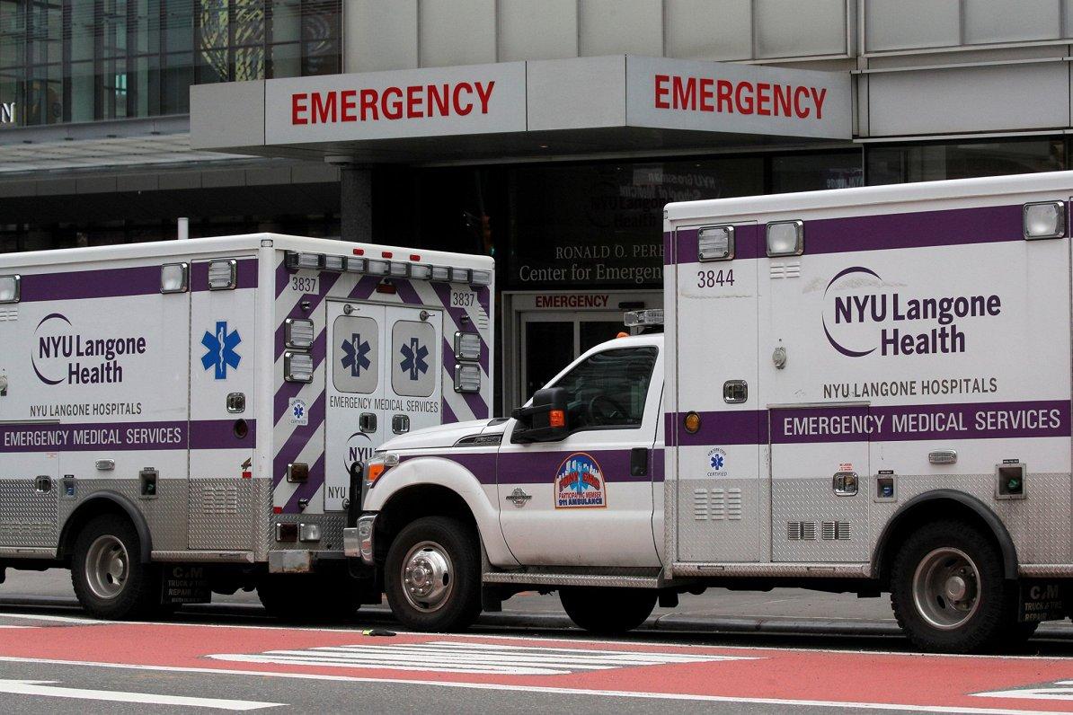 Covid-19 ASV varētu prasīt 240 000 cilvēku dzīvību