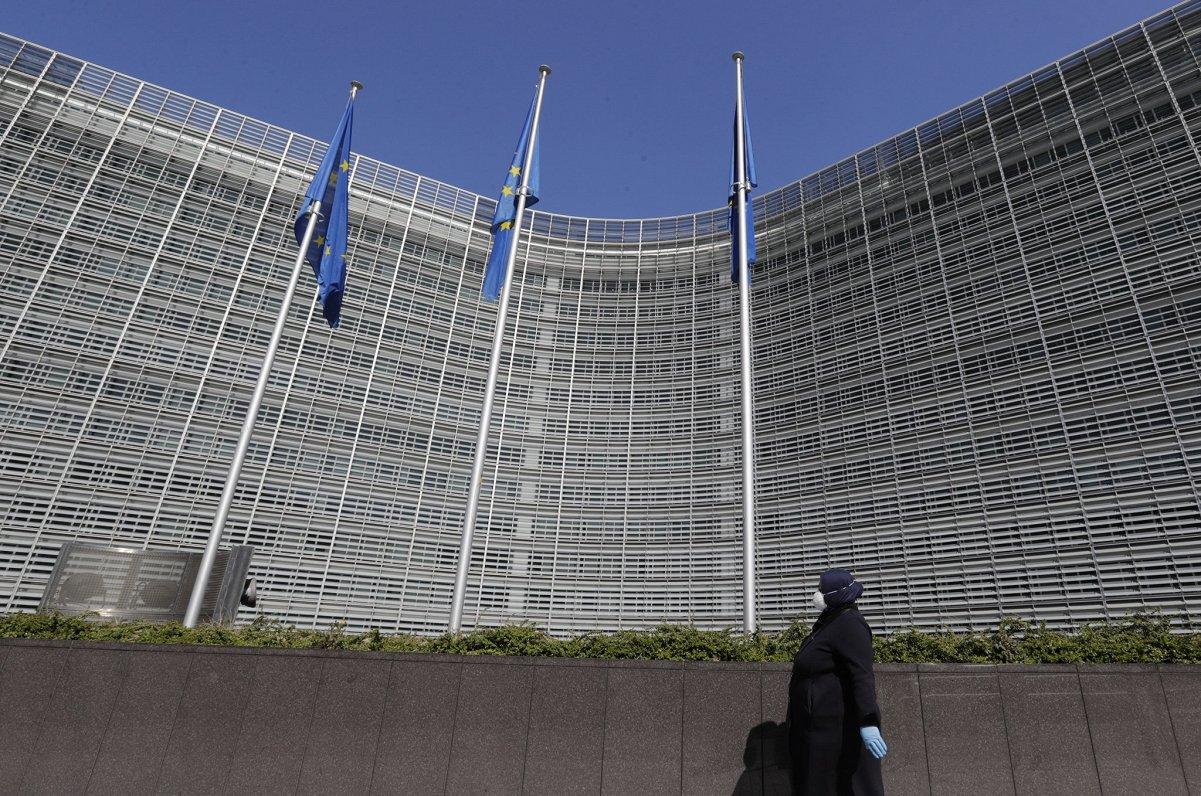 Eiropas notikumu TOP3: ES veselības programma, vakcīnu eksporta šķēršļi un mediju brīvība