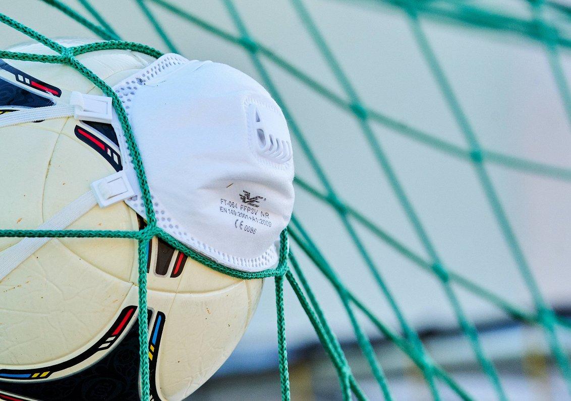 В двух клубах высшей футбольной лиги Латвии — четыре случая заболевания Covid-19
