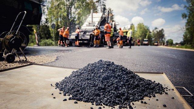 Pēc asfalta paraugu izvērtēšanas Jēkabpils dome vēršas policijā par iespējamu līdzekļu izkrāpšanu ielu izbūvē