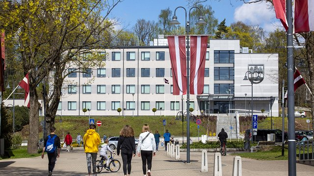 «Tautas panorāma»: Jaunā Ogres novada iedzīvotāji gatavi pārstāvēt Latvijas lielāko novadu