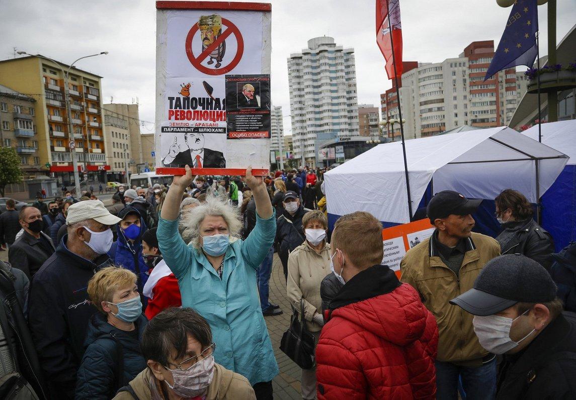 Prezidenta vēlēšanas Baltkrievijā: ES nosoda vēršanos pret opozīciju