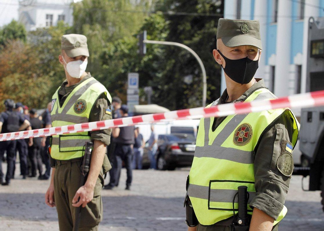 Ukrainu sadala Covid-19 riska zonās
