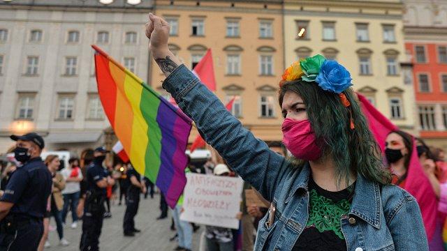 LGBT un sieviešu tiesību ierobežošana Polijā: ceļš uz neliberālām ES dalībvalstīm?