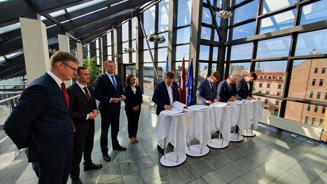 Rīgas domē parakstīts koalīcijas sadarbības līgums