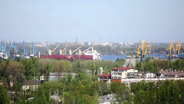 Rīgas brīvostas valde sola vērtēt vērienīgo darījumu ar neizmantotajām piestātnēm