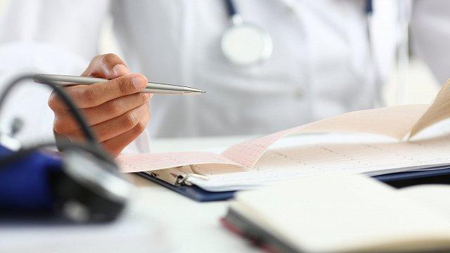 Ģimenes ārsti lūdz ar Covid-19 simptomiem nedoties uz vizīti klātienē