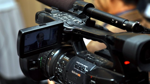 Saeima pieņem Sabiedrisko mediju likumu; galveno redaktoru apstiprinās padome