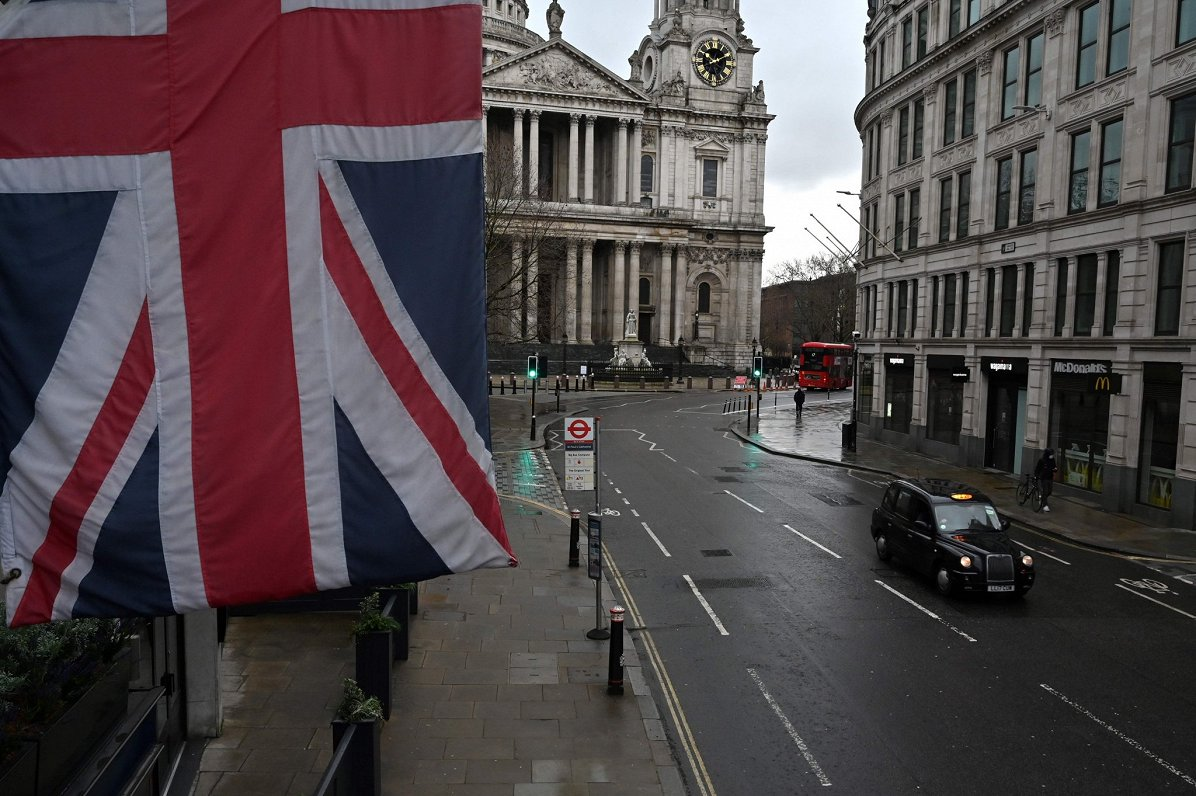 ES notikumu TOP3: Covid-19 potes sertifikāts, Pompeo vizītes atcelšana un britu nedienas