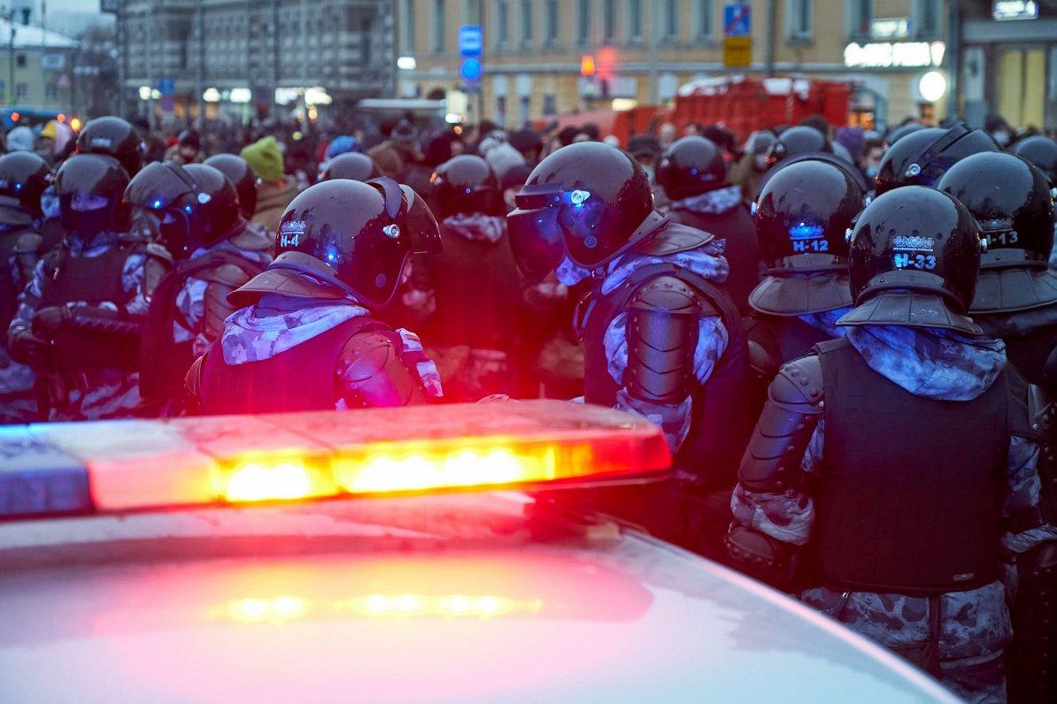 ES notikumu TOP3: Covid-19 vakcīnu iepirkumu krīze, EK ultimāts Polijai un reakcija uz Navaļnija arestēšanu