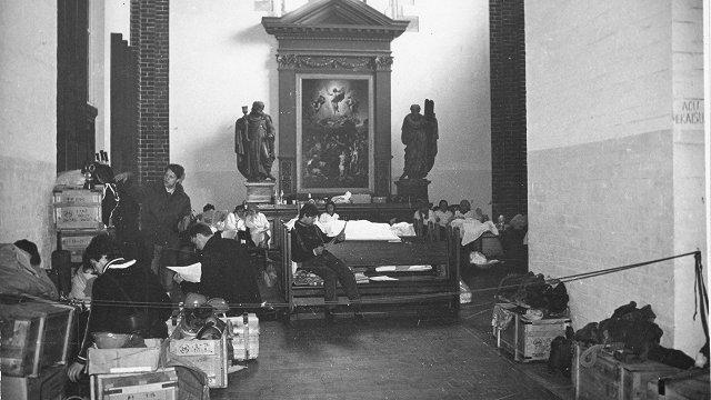 Patvaļīgi barikāžu dalībniekiem atvēra Doma baznīcu. Maijas Stefanes atmiņu stāsts