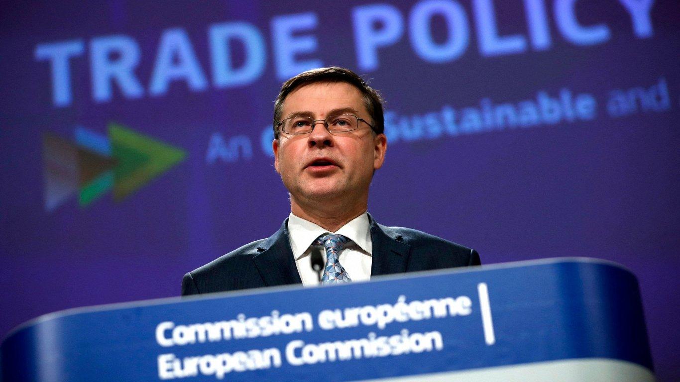 Планов заключения торгового договора с США у ЕС сейчас нет — Валдис Домбровскис