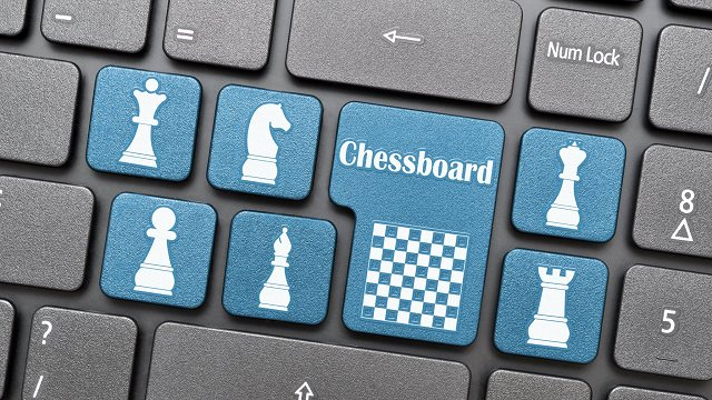 TV seriāls, pandēmija un strīmeru turnīri – šahs tiešsaistē sasniedz jaunas popularitātes virsotnes